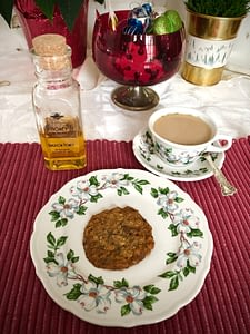 Cookie and Chai Tea with Honey