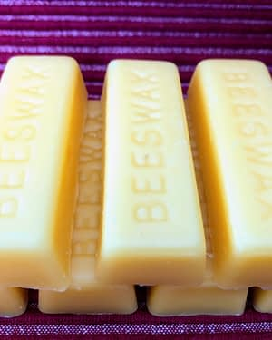Yellow Beeswax 1/2 lb